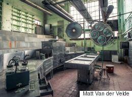 Ο Matt Van der Velde φωτογραφίζει εγκαταλελειμμένα άσυλα για να ευαισθητοποιήσει τον κόσμο στα θέματα της ψυχικής υγείας