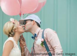 Hochzeitsgeschenk: Wie viel Geld Gäste dem Brautpaar schenken sollten