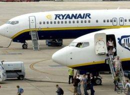 Ryanair acortará en noviembre el periodo para facturar sin costes de siete a cuatro días