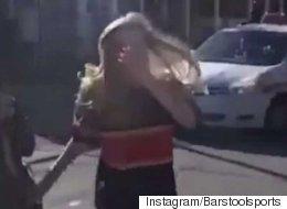 Cette jeune femme n'aurait vraiment pas dû frapper ce cheval