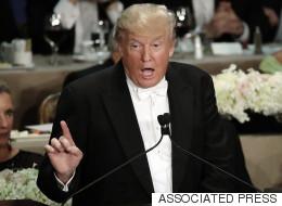 트럼프가 저급한 농담으로 자선 만찬회서 엄청난 야유를 받다(동영상)