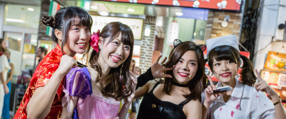 TOKYO PEOPLE DRESSED UP FOR HALLOWEEN