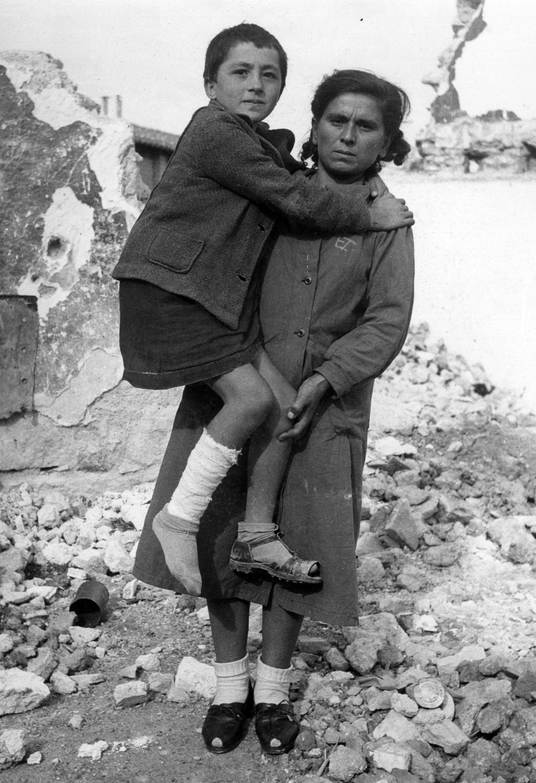 women greece 1940