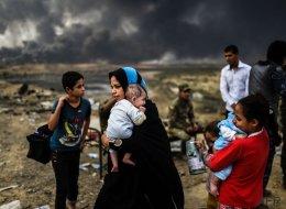 Miles de familias secuestradas por el EI para usarlas como escudos humanos