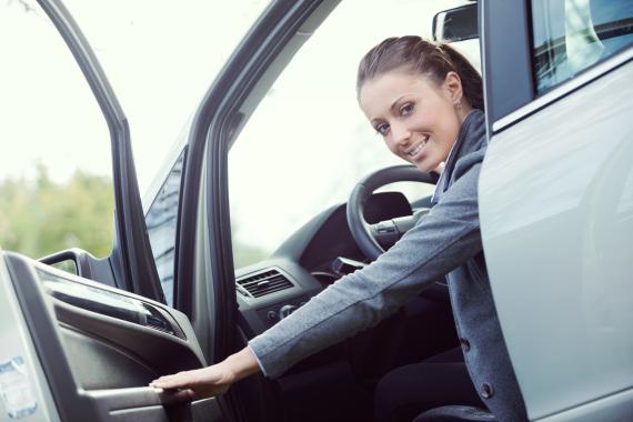 drive car left