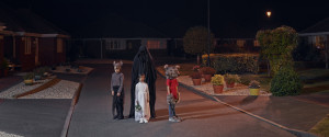 HALLOWEEN CHILDREN STREET NIGHT