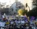 Miles de persones se manifiestan al grito de: Ante el golpe de la mafia democracia