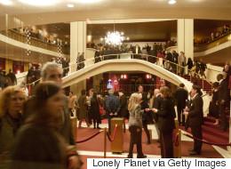 Une mystérieuse poudre blanche a été lancée sur des musiciens d'un opéra de NY