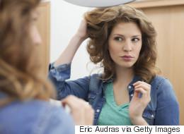 Voici pourquoi vos cheveux ne sentent pas bon