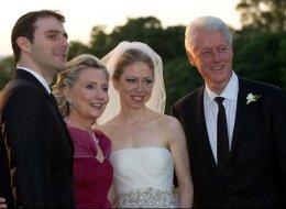 في الوقت الحرج.. ويكيليكس تزعم أن ابنة هيلاري كلينتون استخدمت موارد خيرية لإقامة زفافها