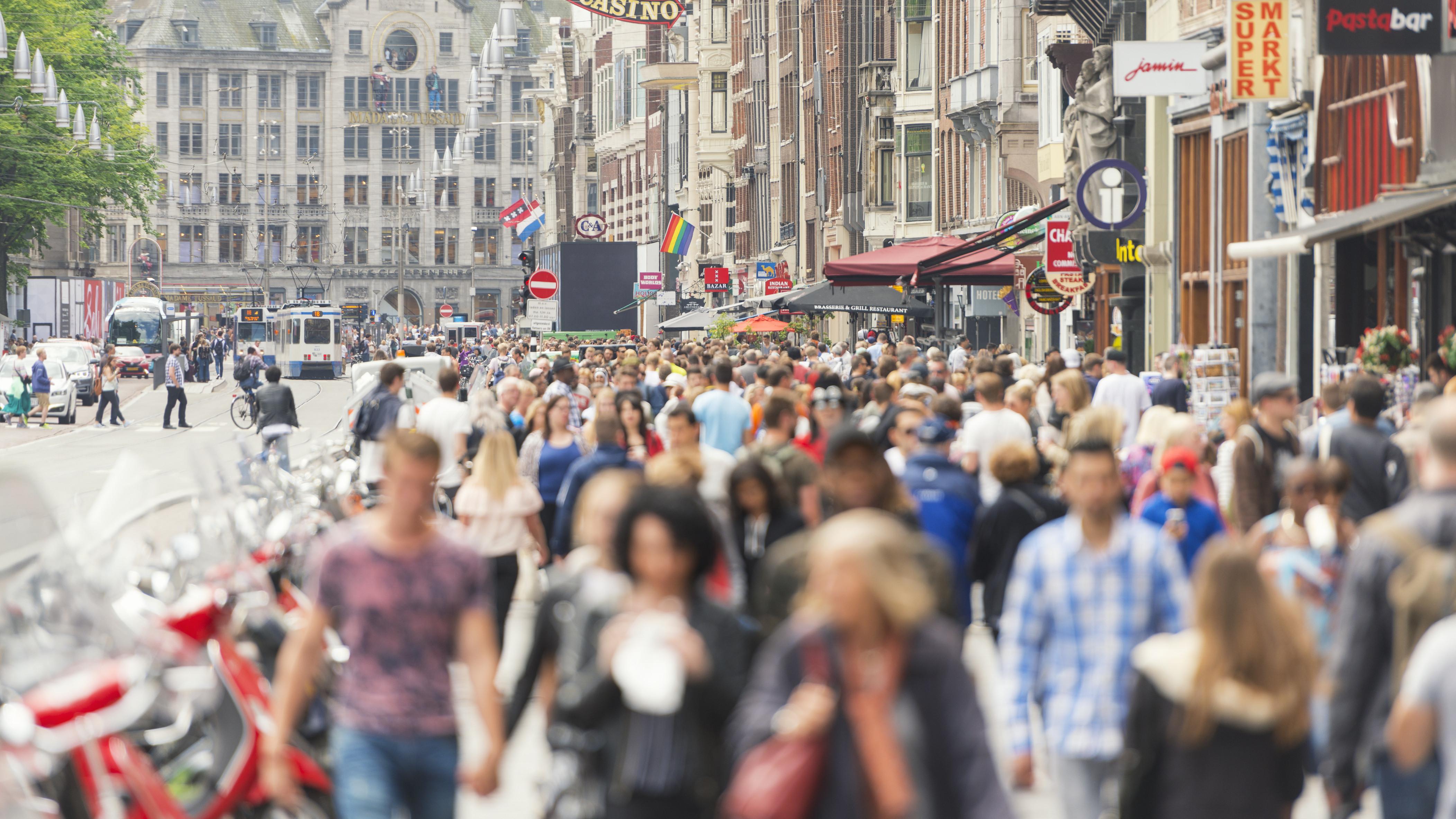 amsterdam pedestrians
