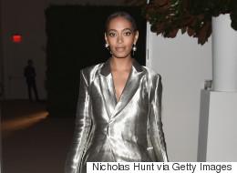 Solange Knowles est clairement une reine du style en tailleur pantalon ample gris lamé