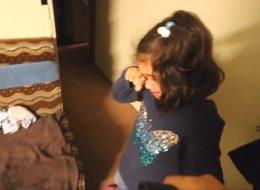طفلة يمنية مسلمة تبكي بحرقة بعد فوز ترامب.. شاهدها نصف مليون في يوم واحد!!