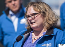 Rural Albertans Boo Ministers Over Climate Change Plan