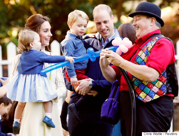 Britain's Prince William, Catherine, Duchess of Cambridge, Prince George and Princess Charlotte watch as a man inflates balloons at a children's party at Government House in Victoria, on Sept. 29, 2016. REUTERS/CHRIS WATTIE