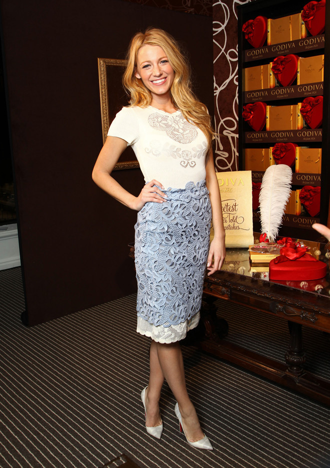 BLAKELIVELY Blake Looks Lovely In Lace