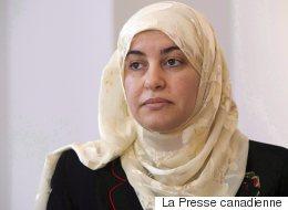 Après avoir refusé d'enlever son hidjab devant une juge, elle fait une demande au tribunal