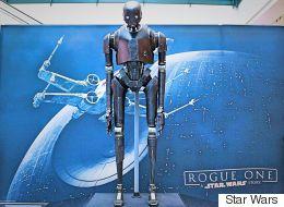 «Rogue One», le robot K-2SO en visite à Montréal
