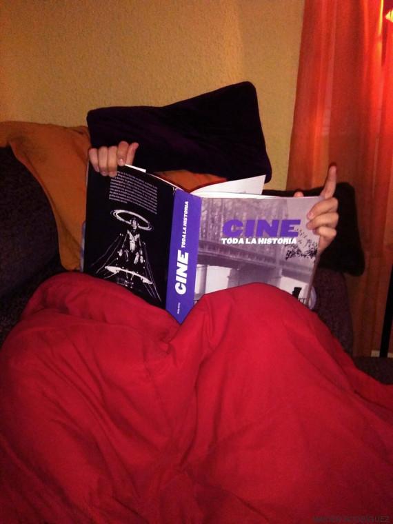 precariedad energetica hijo leyendo