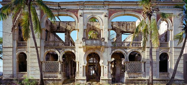 Il passato delle colonie francesi non è mai stato così affascinante