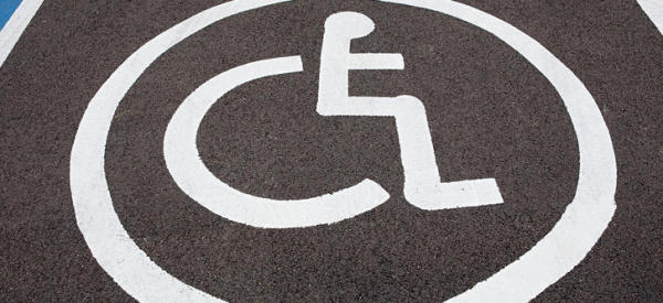 La dignità negata dei disabili a Napoli, privi di assistenza e diritto alla scuola