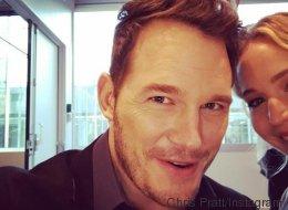 Chris Pratt a coupé la tête de Jennifer Lawrence sur tous ses selfies
