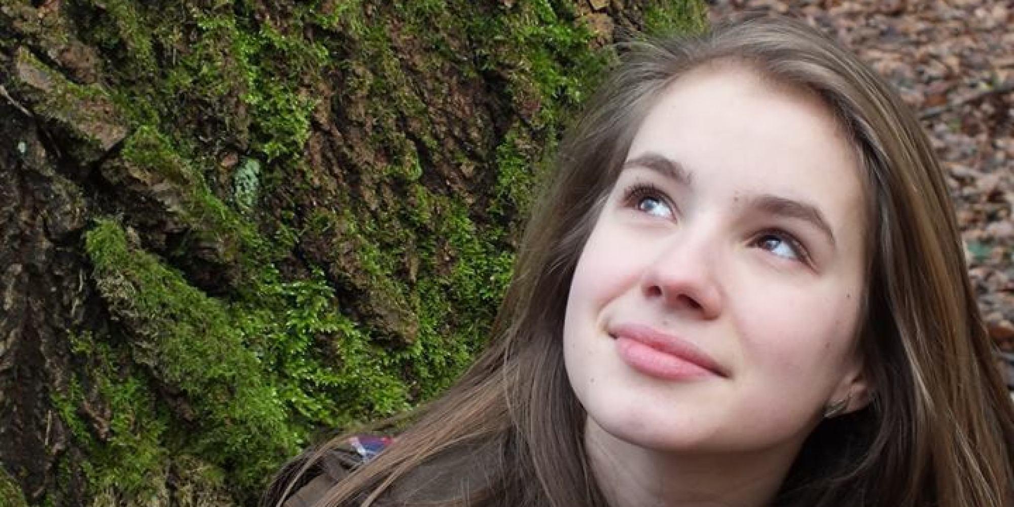 الاشتباه بأفغاني في اغتصاب فتاةٍ وقتلها يهزُّ ألمانيا.. وعائلتها تقول للنعاة الغاضبين: تبرَّعوا للاجئين بمال شراء الورد