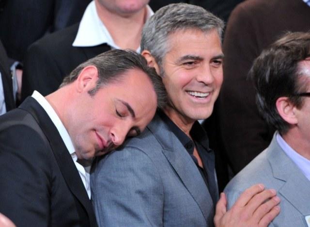 Oscars jean dujardin s 39 endort sur l 39 paule de george clooney for Dujardin clooney