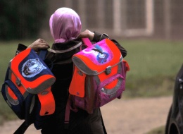إلزام الطالبات المسلمات بحصص السباحة.. أعلى محكمة ألمانية ترفض إعفاء فتاة من النشاط المدرسي