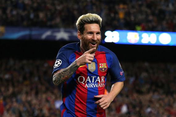 messi barcelona smile