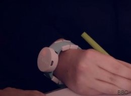 Ce bracelet pourrait changer la vie des personnes souffrant de Parkinson