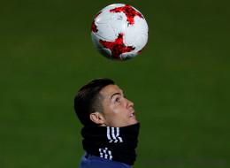 Cristiano Ronaldo remporte son 4e Ballon d'Or