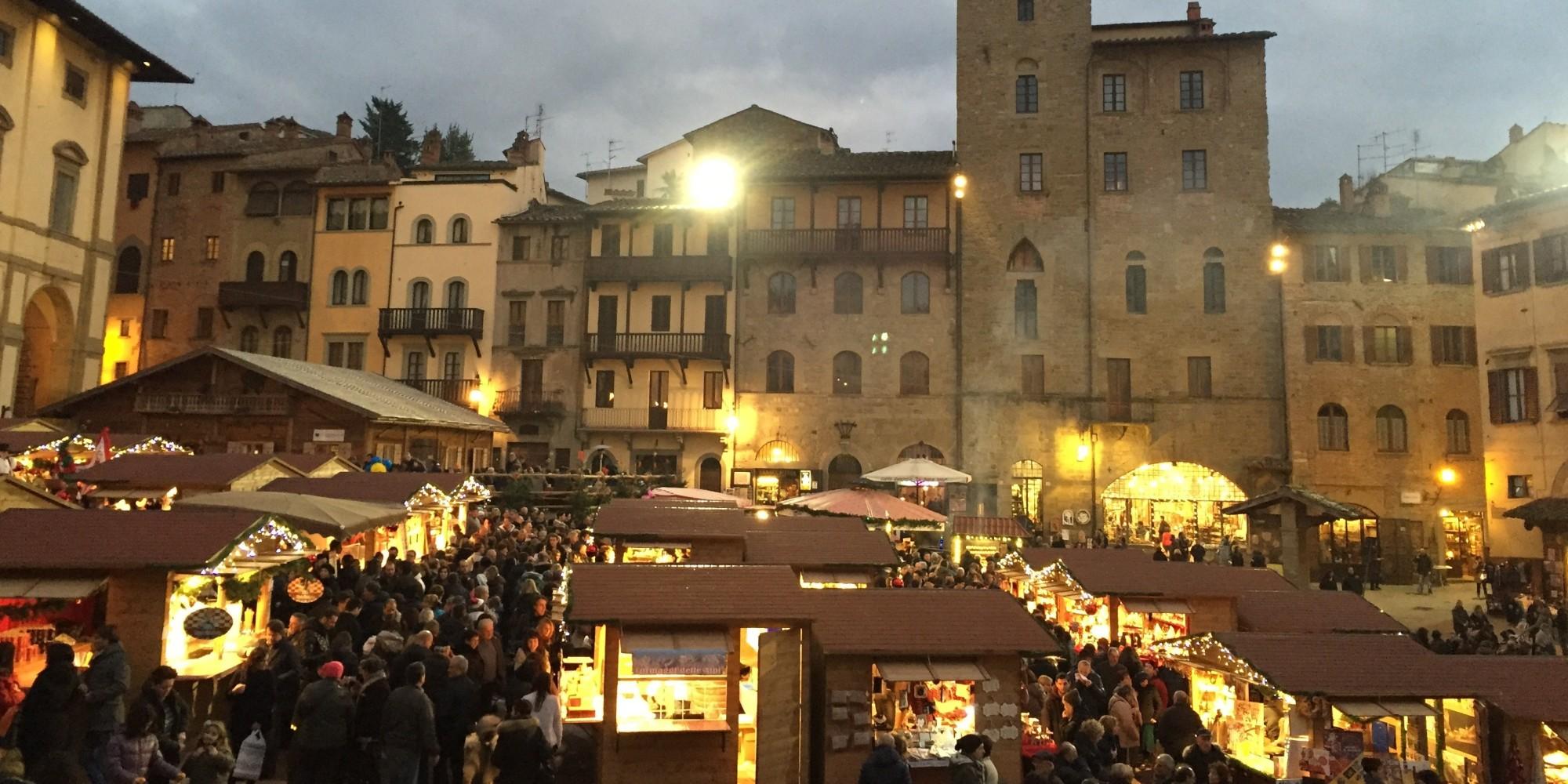 Da arezzo a cortona un natale di giochi d 39 acqua e luce for Arezzo antiquariato