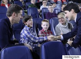 PM Treats Children's Hospital Patients To 'Star Wars' Screening