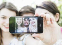 هل سبق وأن خسرت صوراً على هاتفك أو حاسبك الشخصي؟...إليك طريقة استعادتها بسهولة