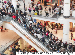 Canadians Budgeting Far Less For Holiday Shopping This Year