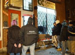 Descente policière dans des magasins de cannabis à Montréal