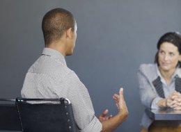 نظف حسابك على فيسبوك وابتعد عن الفلسفة.. 10 نصائح لا تفوتك قبل مقابلة العمل