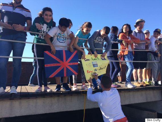sailing fans