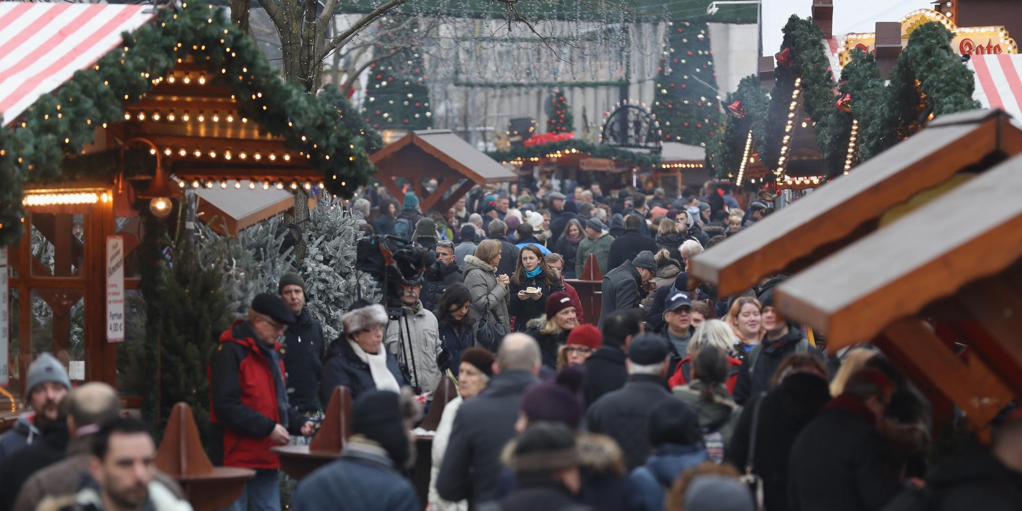 Attentat Facebook: Allemagne: Réouverture Du Marché De Noël De Berlin Frappé