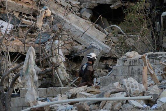 escombros do hospital de idlib
