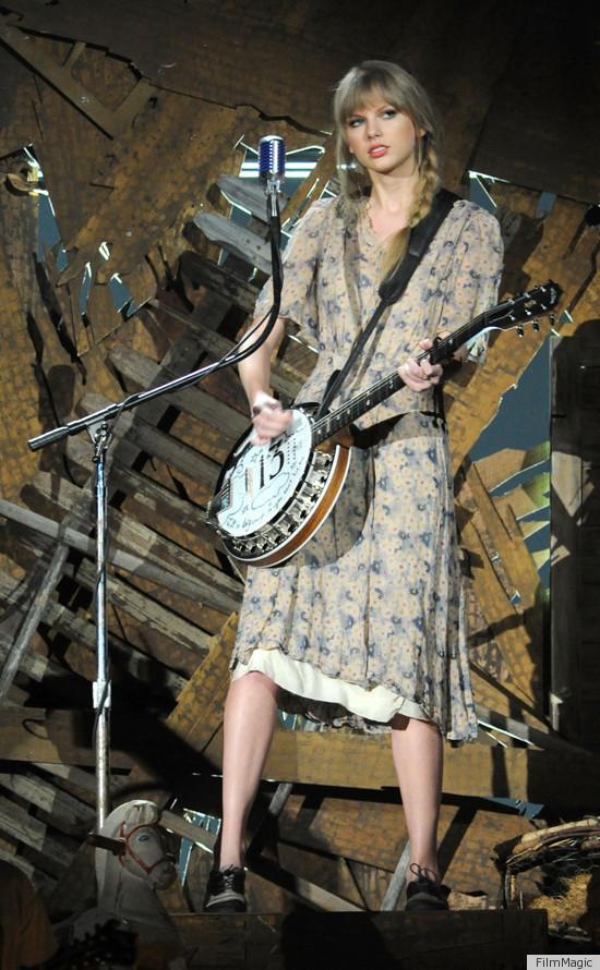 Taylor Swift -ის სიახლეები: გრემი, COVERGIRL და The Lorax