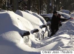 La tempête de neige déferle sur l'est du Québec