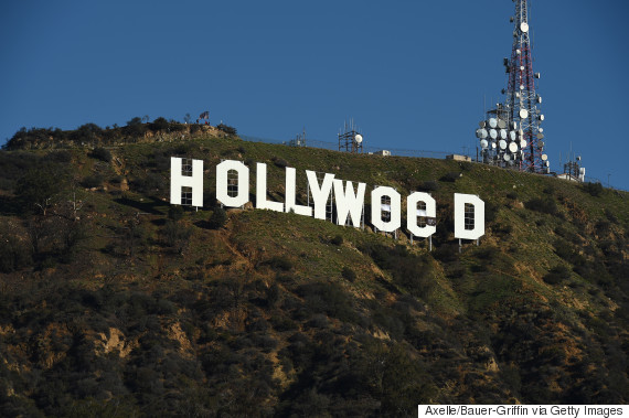 Vandals change Hollywood sign to 'Hollyweed'