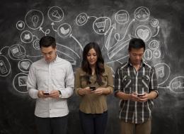 كيف تستخدم التكنولوجيا لتتعلم دون أن تترك الأريكة؟.. هذه المواقع ستساعدك في تعلم اللغات أيضاً!