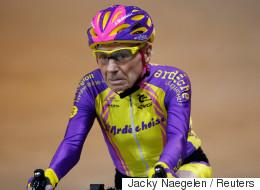 105세 사이클리스트가 세계 기록을 세우다