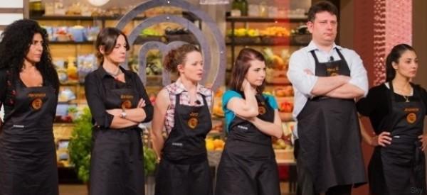 Masterchef riparte dalla cucina, tutti contro Mariangela