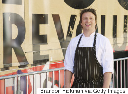 Κλείνει έξι εστιατόρια ο Jamie Oliver