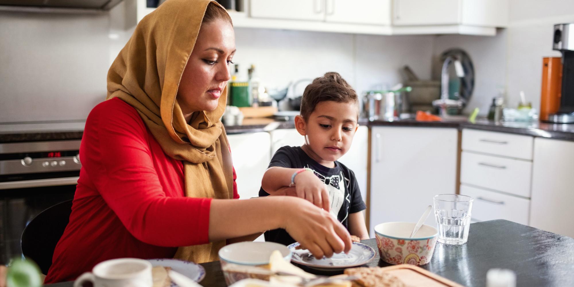 Kopftuchmafia oder  Negerschlampe - eine Muslima über das Kopftuchverbot