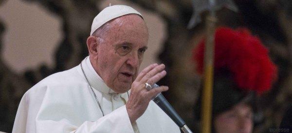 Papa Francesco elogia Italia, Germania, Grecia e Svezia per l'accoglienza migranti